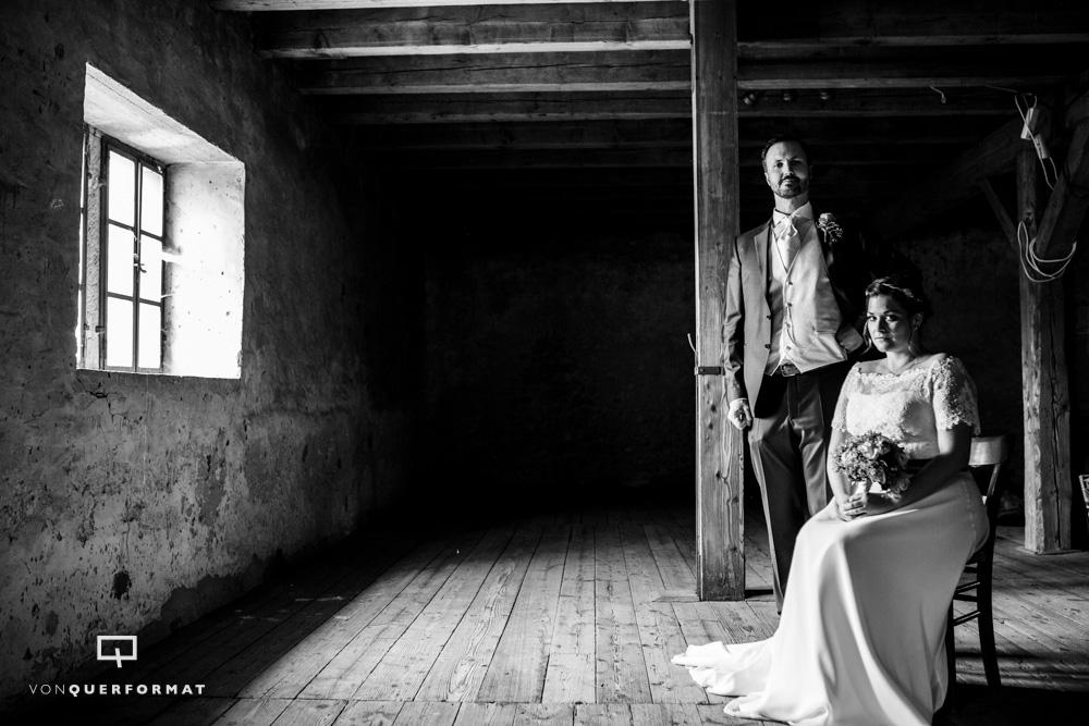 SCHLOSSGUT_LÜLL_Hochzeit_sascha_draheim_vonquerformat_Brautpaar_braut